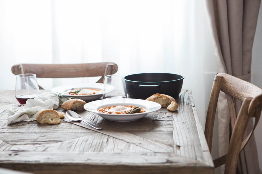 料理が並んでいる食卓